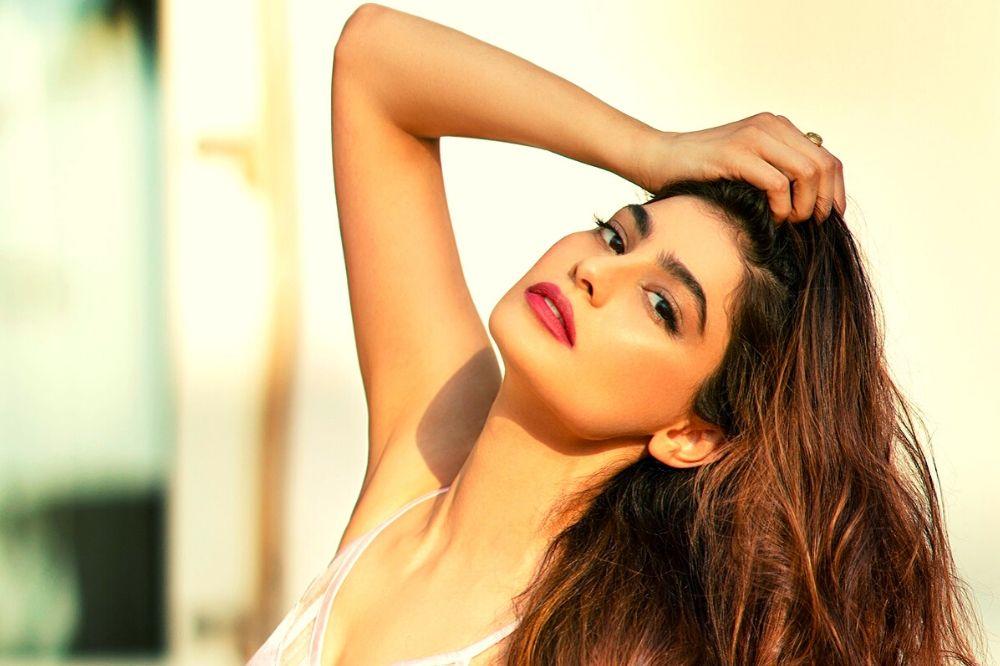 modella indiana bellissima