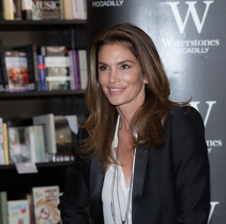 cindy crawford oggi