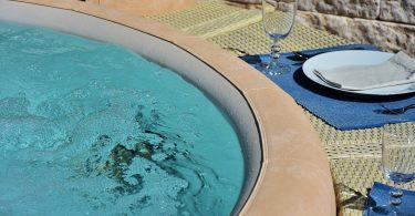 scegliere una piscina idromassaggio